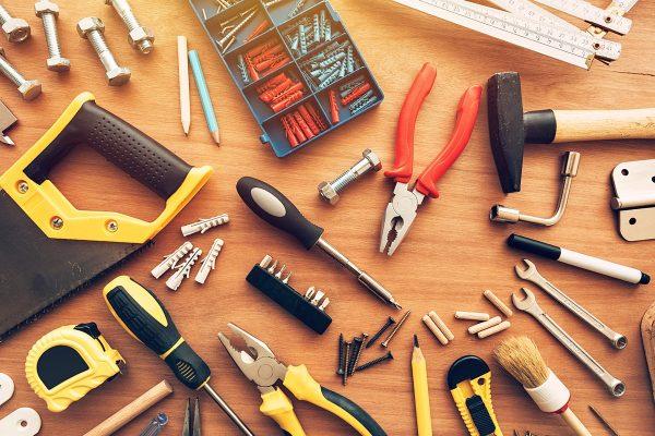Jakie narzędzia są niezbędne dla majsterkowicza?